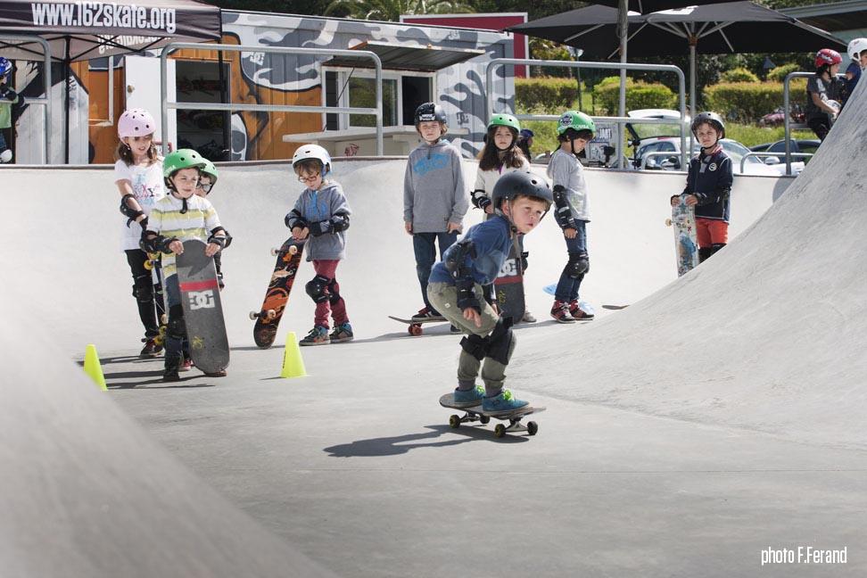 stages de skate groupe enfants
